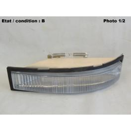 Left front light indicator AXO 1589