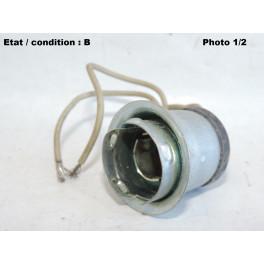 Porte-lampe BA15d feu arrière PK 3685